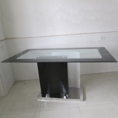 Dining table DT577